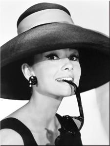 """Kühlschrank Magnet 6 x 8cm """"Audrey Hepburn mit Hut und Sonnenbrille """""""